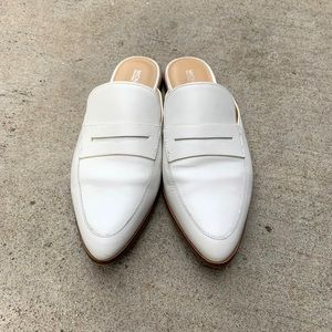 MICHAEL Michael Kors White Pointed Mules 10